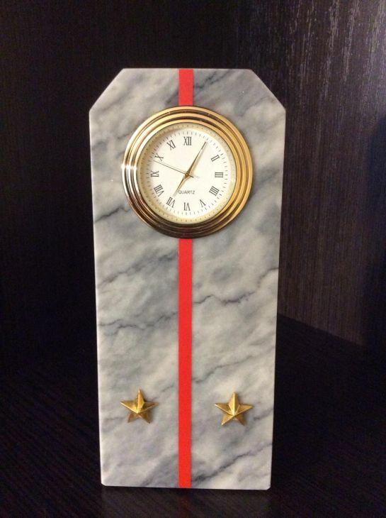 Часы Погон лейтенант мрамор